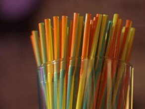 Η Ευρώπη αποσύρει οριστικά τα πλαστικά μιας χρήσης από την αγορά