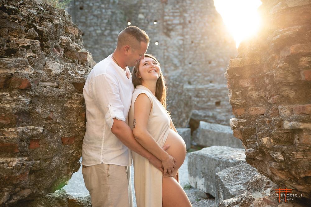 servizio fotografico gravidanza Sirmione. Lago di Garda