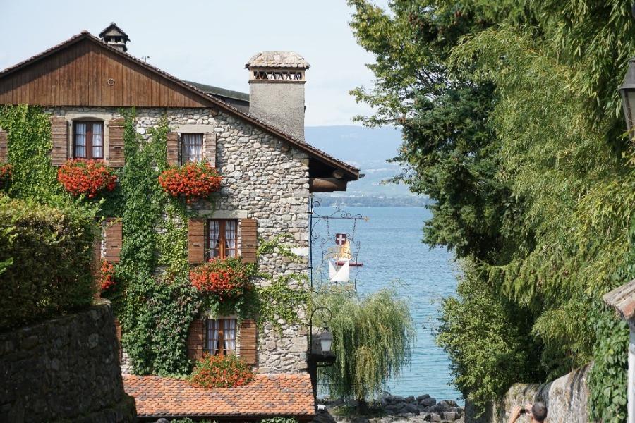 איבואר, אגם ג'נבה, צרפת