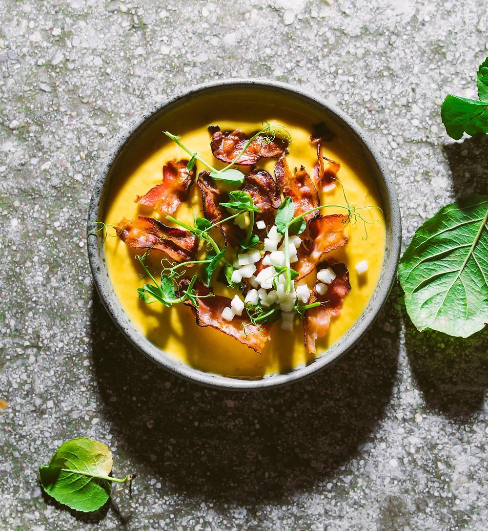 Keptų moliūgų ir obuolių sruba su šonine, trinta sriuba, patiekalai su moliūgais, pietų idėjos, Alfo receptai