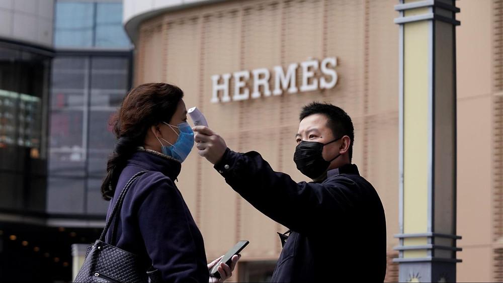 นักท่องเที่ยวจีน ช็อปปิ้ง