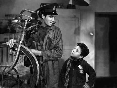无论自行车多么珍贵,人生也始终有比它更珍贵的东西 ... 意大利电影推荐:偷自行车的人 Ladri di biciclette(1948)