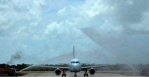 """Pourquoi """"arroser"""" un avion lors de son atterrissage ou de son décollage"""
