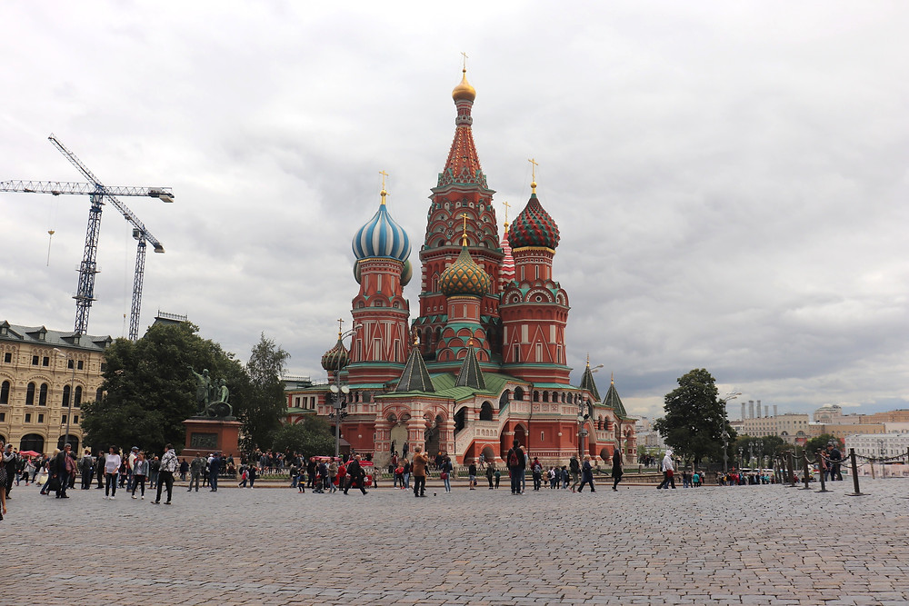 Outside of st basil's cathedral in moscow russia