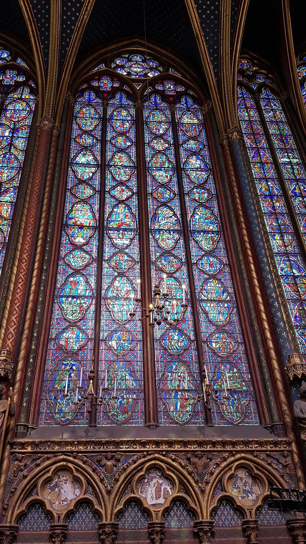 Vitrais da Sainte Chapelle, em Paris.