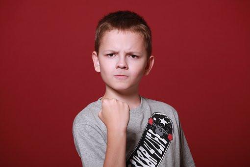 niño, enojo, estres, control, truco, psicologia, cerebro, mente, ira, enfado, sé el jefe, blog, hectorrc.com