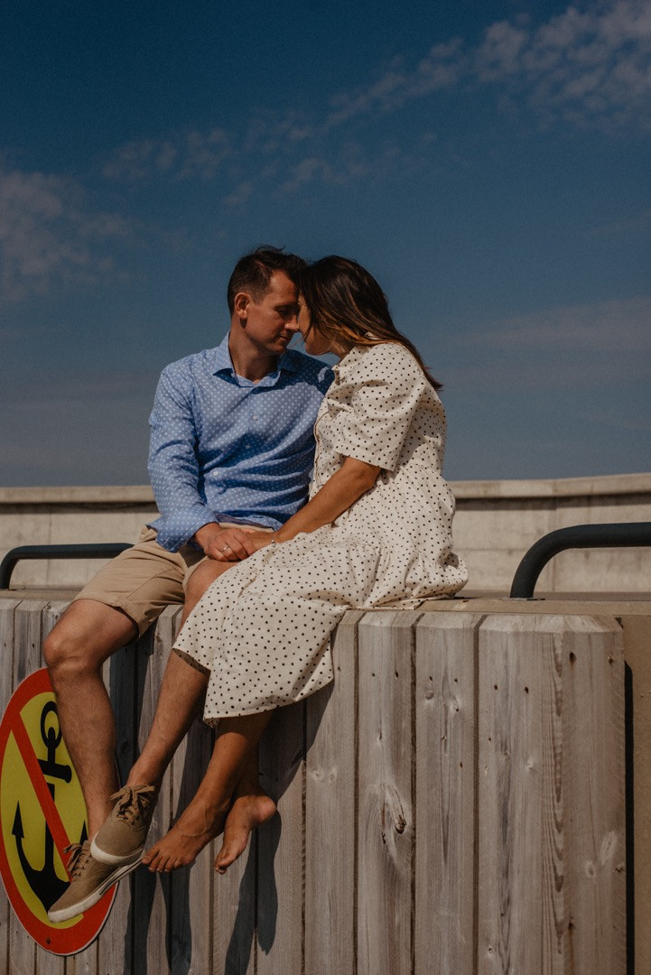 love-story photo session in harbour with sunny weather, photographer in Sheffield and Manchester