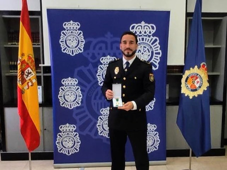 CRUZ AL MÉRTITO POLICIAL CONCEDIDA A EMILIO MÍNGUEZ