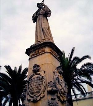 4. Plaza y Monumento dedicado a Juníper Serra