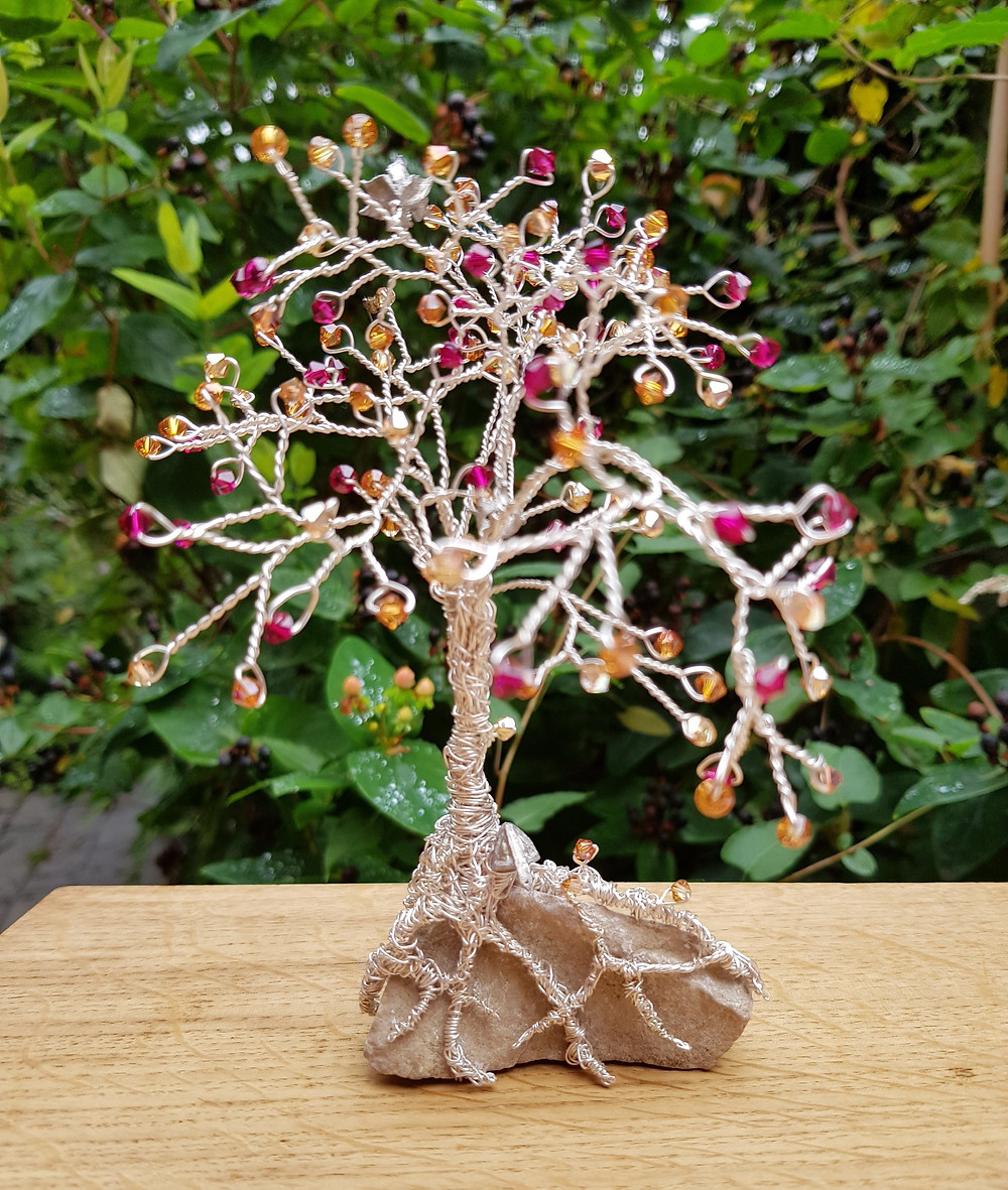 CRZyBest Bespoke sculptures for weddings, anniversaries, gifts, jewellery and accessories.