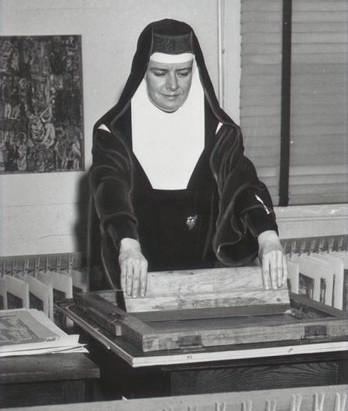 Conheça Clarita Kent - A freira que revolucionou a serigrafia!