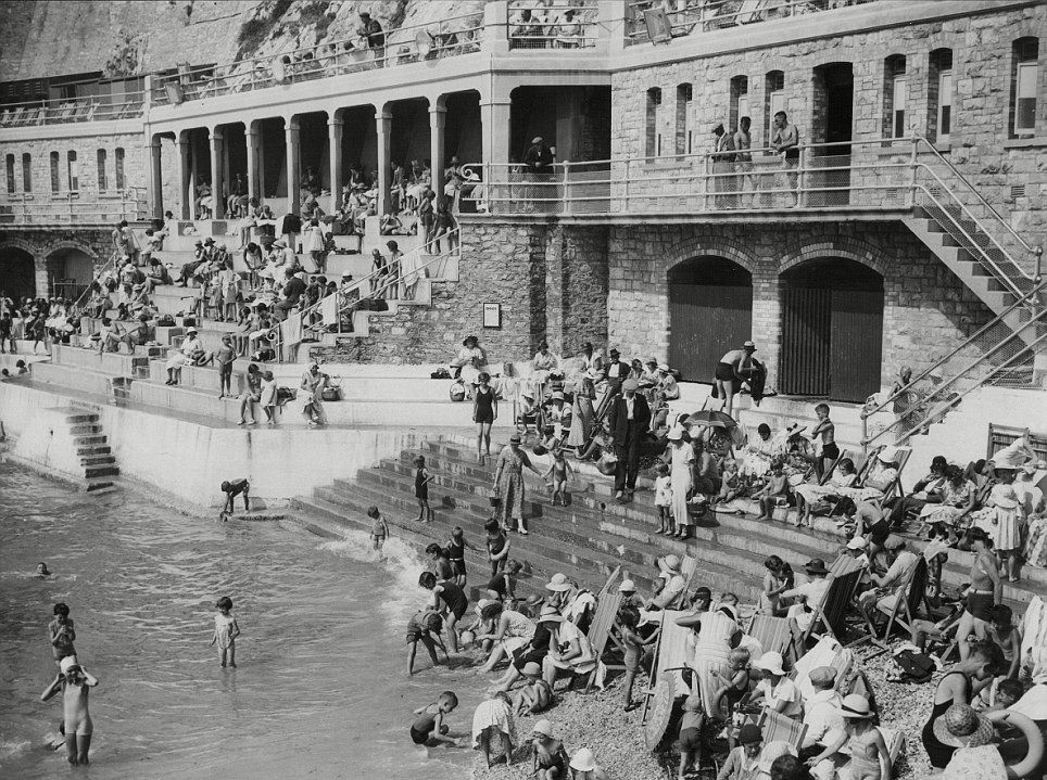 Wild Swimming on Plymouth Hoe, 1935