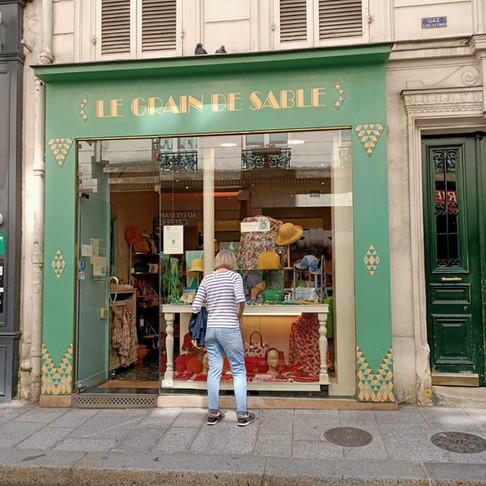 Une boutique de chapeaux originaux à Paris