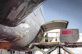 Baja en la demanda de carga aérea