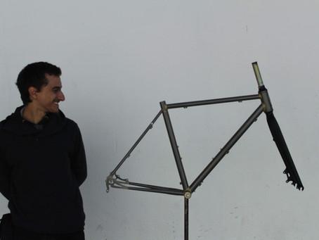 Protótipo de quadro de gravel sob medida