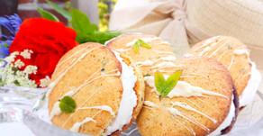 Frozen Yogurt + erfrischende Minz-Cookies =  Sommerfrisches Sandwich-Eis 💚🍦
