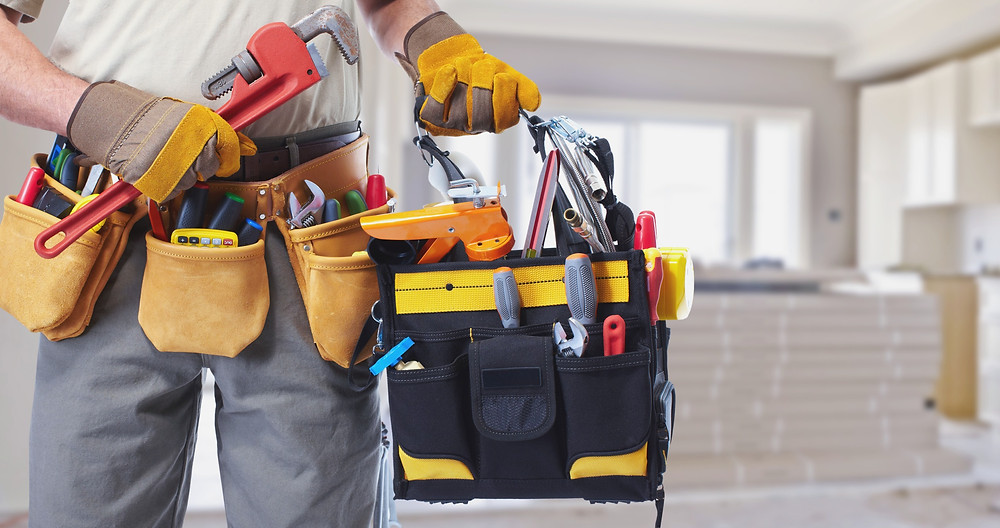 Builder with tools, how to find a builder