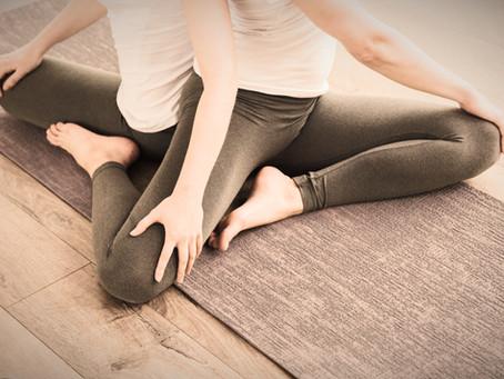 5+ Yoga-Posen zur Stärkung von Beziehungen