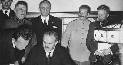 Pacto Ribbentrop-Molotov: 80 anos de luta contra a Rússia