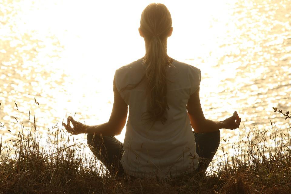 yoga, ejercicio, rutina, hábitos saludables, mejorar, sé el jefe, hectorr.com