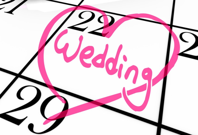 Choosing a date to get married