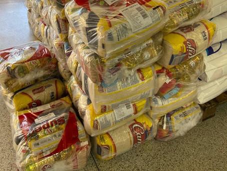 Sicoob doa 50 cestas para a campanha Comunidade Viva sem Fome