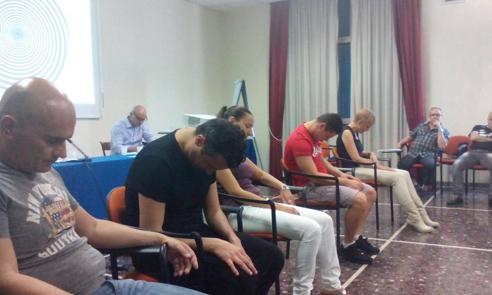 esercitazioni di Ipnosi in aula