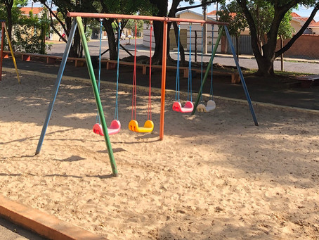 Unidades de ensino passam por manutenção, mas seguem sem troca de areia nos tanques de recreação
