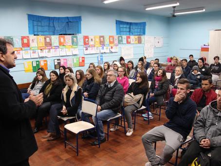 Sessenta jovens do município iniciam curso de qualificação