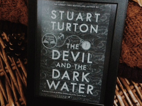 The Devil and the Dark Water, Stuart Turton | Book Review