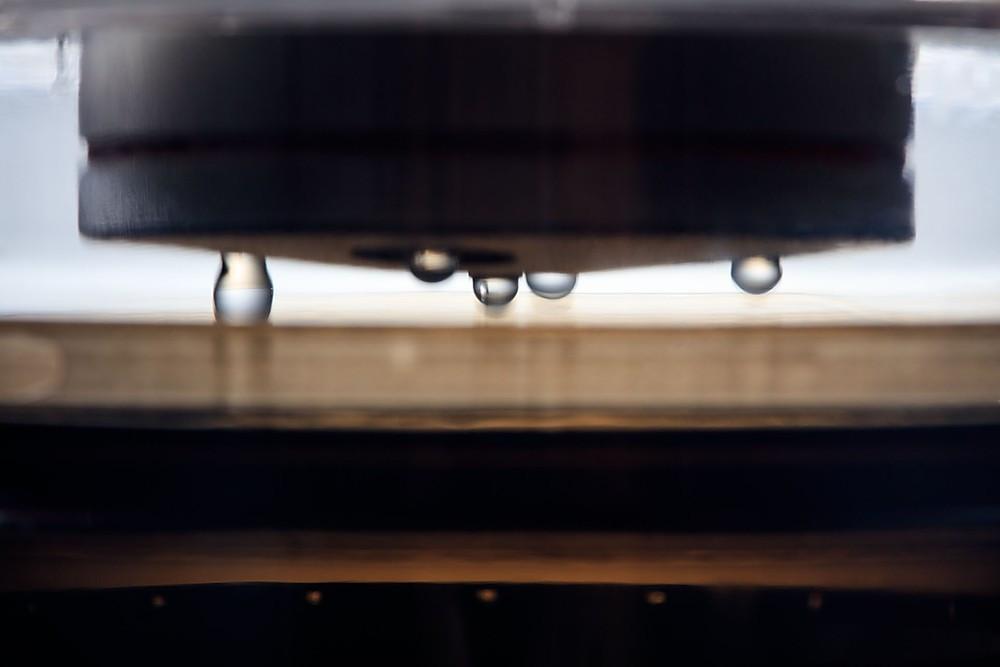 冰滴神器「一代 v.s 二代」升級前後評比 【外觀】質感、材質更講究 【功能】 便利、密閉更突破 【用途】多元、豐富更創意 【效率】萃取、流速更即時
