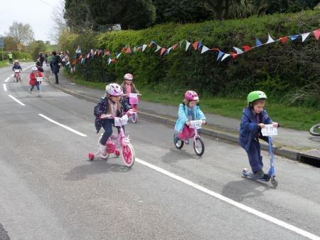 Kids having fun on the Tour de Bardsey