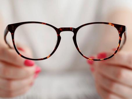 Occhiali da lettura premontati : perché NON utilizzarli?