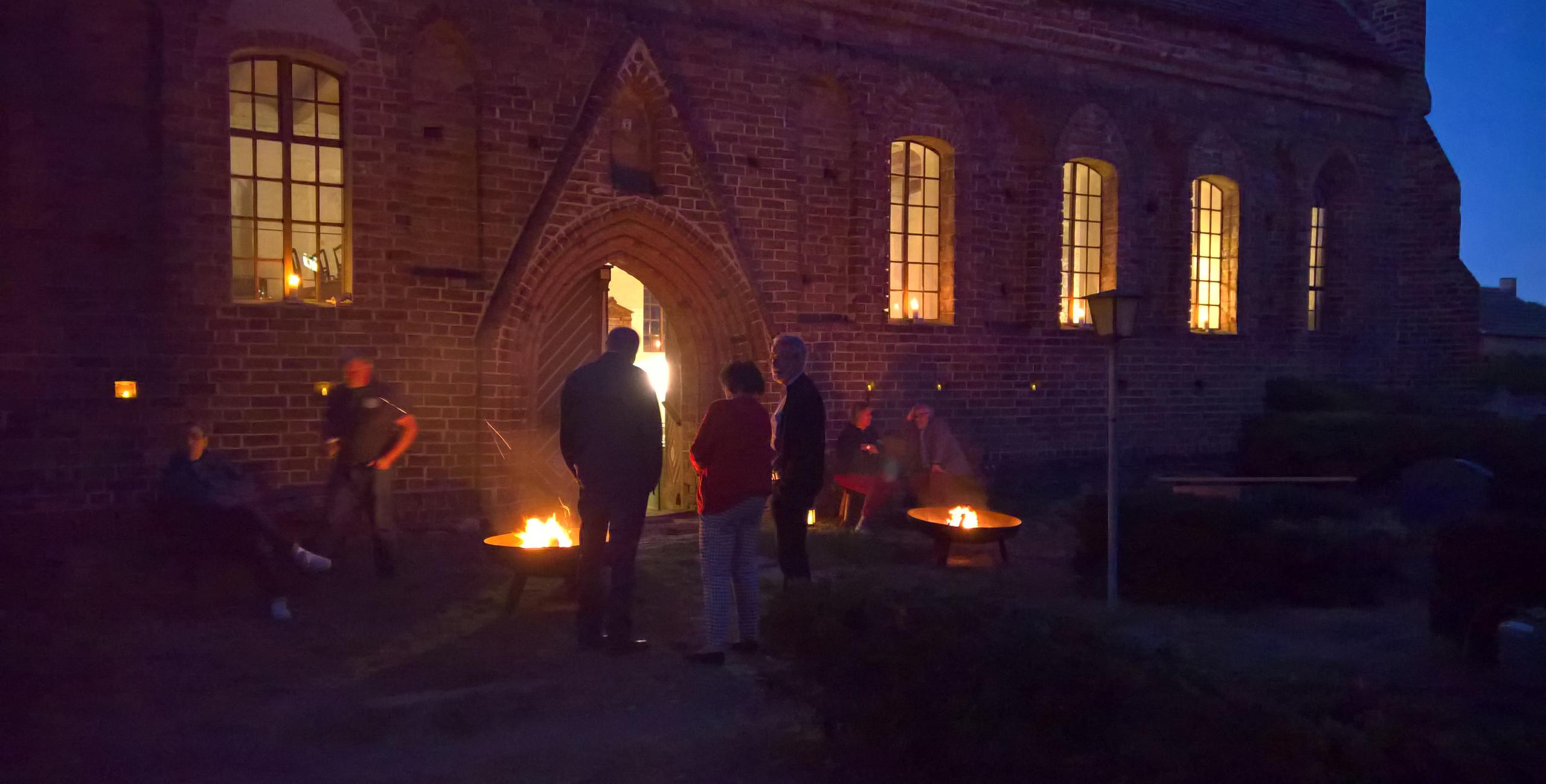 10 Jahre Förderverein Wallfahrtskirche Buckow - feierlich vor der Pforte