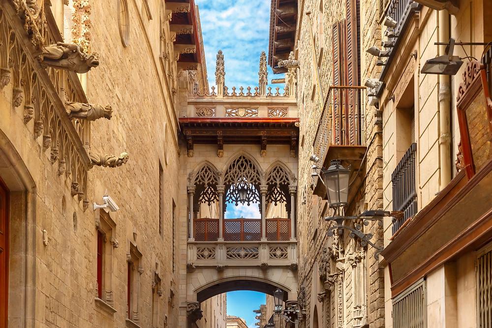 Bridge Carrer del Bisbe in Barcelona Gothic quarter