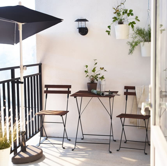 Balconies do possess the potential of transporting you mentally to a place that brings you calmness and tranquility. You can use pictures of your loved places as an inspiration and take ideas to decorate your condo balcony.