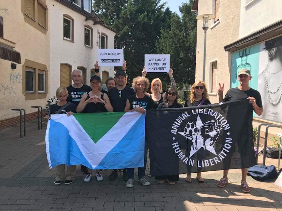 Unterstützt von Vegan Outreach Rhein/Main, eine Strassenaktivismus Aktion, Art of Truth in der Darmstädter Str. Groß-Gerau