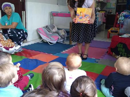 Autora presente na Escola Centopeia em Estância Velha/RS
