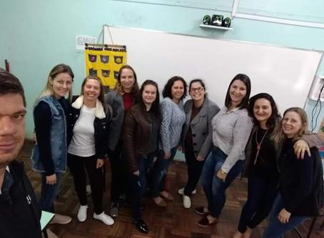 Oficina sobre a arte de contar histórias para professores em São José do Hortêncio