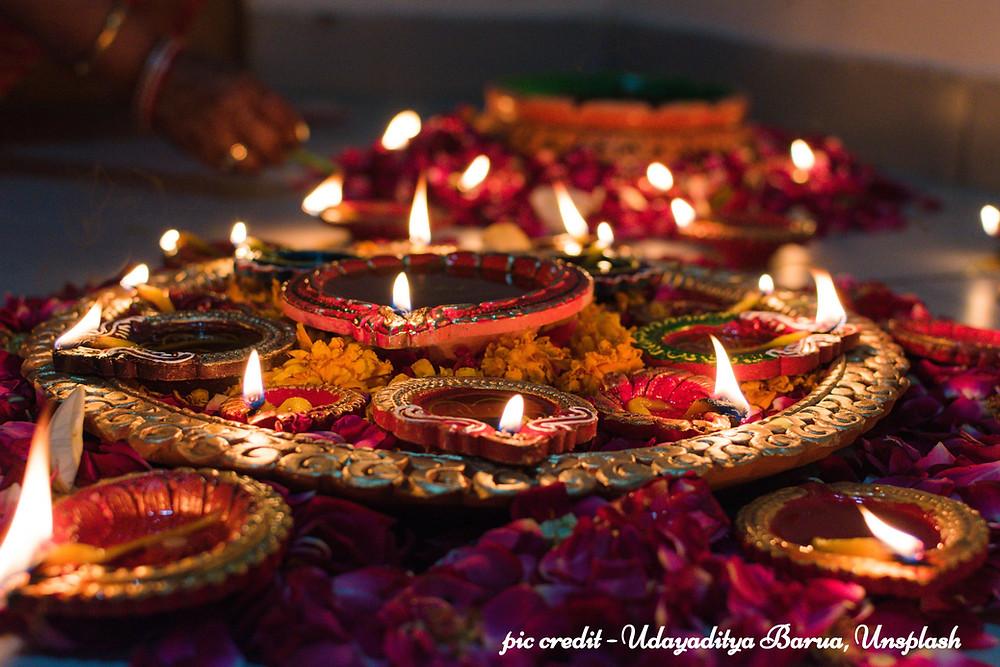 Diyas, earthen lamps, Indian festival lights