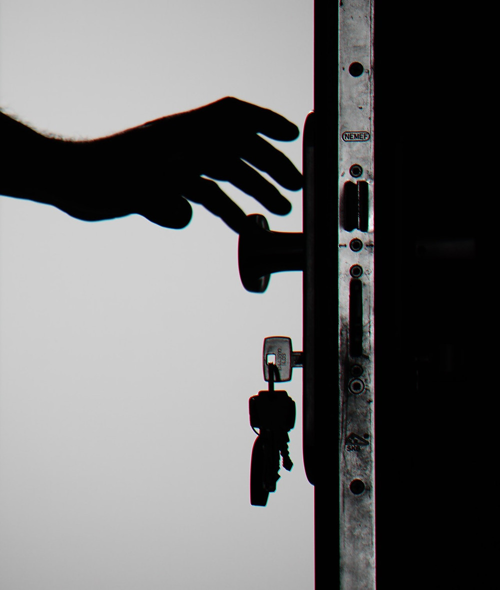9 Simple Way How to Make Your House Safe From Burglars