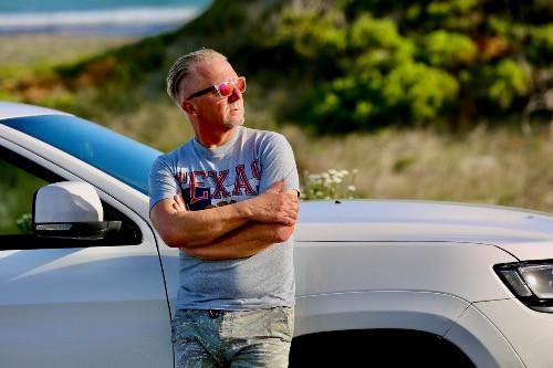 Reisebuchautor und Autoliebhaber Dieter Losskarn