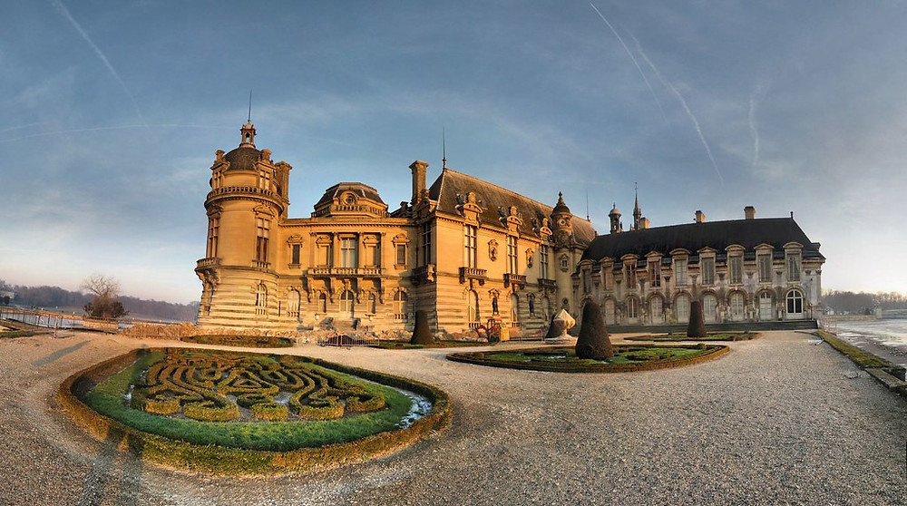 the Chateau de Chantilly. Image source Panoramas on Flickr