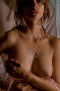 Penelope Cruz Stripped