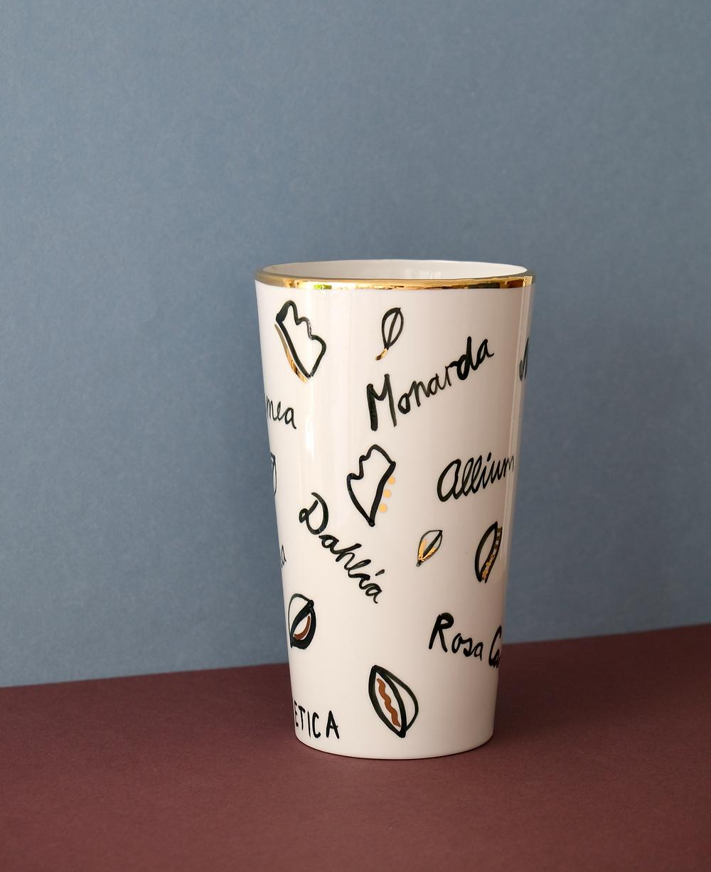 Vase Blumenpost Yael Anders Limited Edition Limitiert Gold Keramik Keramikvase Porzellan Saisonkalender
