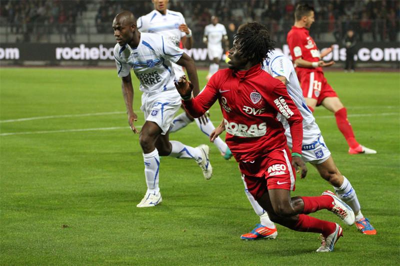 Koro Koné face à l'AJ Auxerre