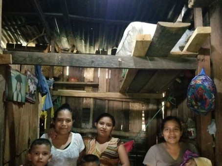 Jonatan writes about meeting the Munoz family in La Mora