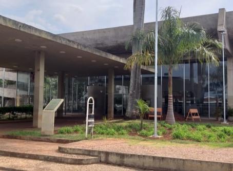 Vereador Rafael de Angeli cobra fiscalização no entorno do Teatro Municipal
