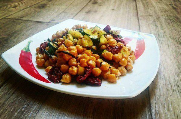 Recept na Cizrna slilkem a sušenými rajčaty