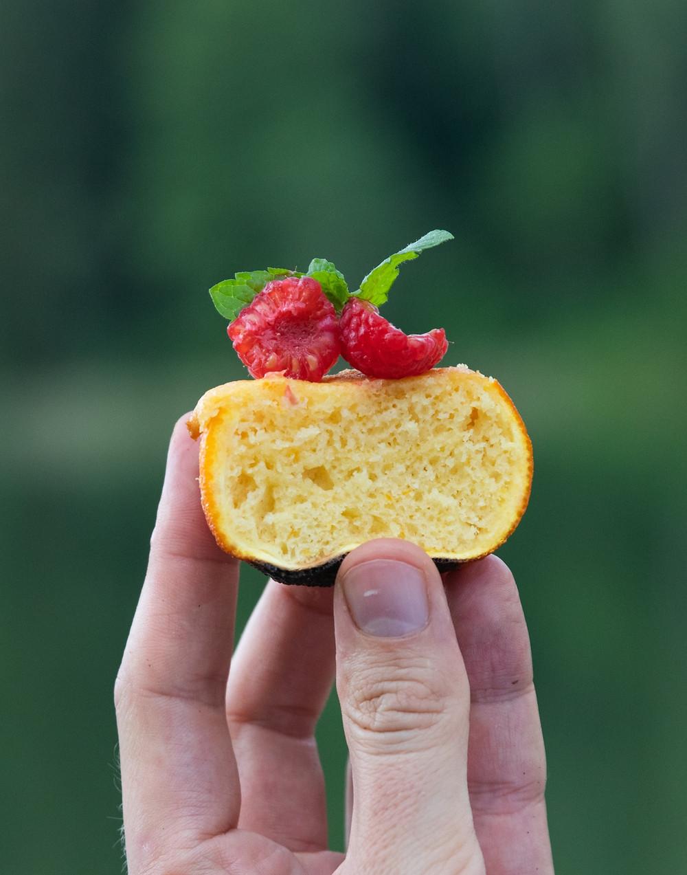 Grilio receptai, grilio idėjos, grilio desertai, desertas amt grilio, keksiukai apelsino žievelėje, Alfo Ivanausko receptai